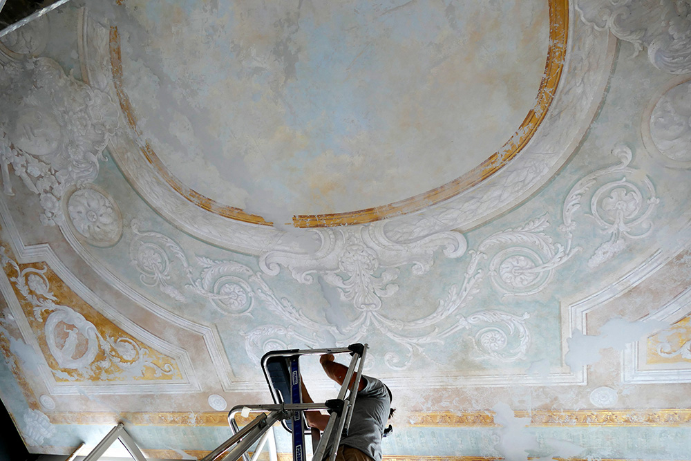 Plafond peint ornementation XVII