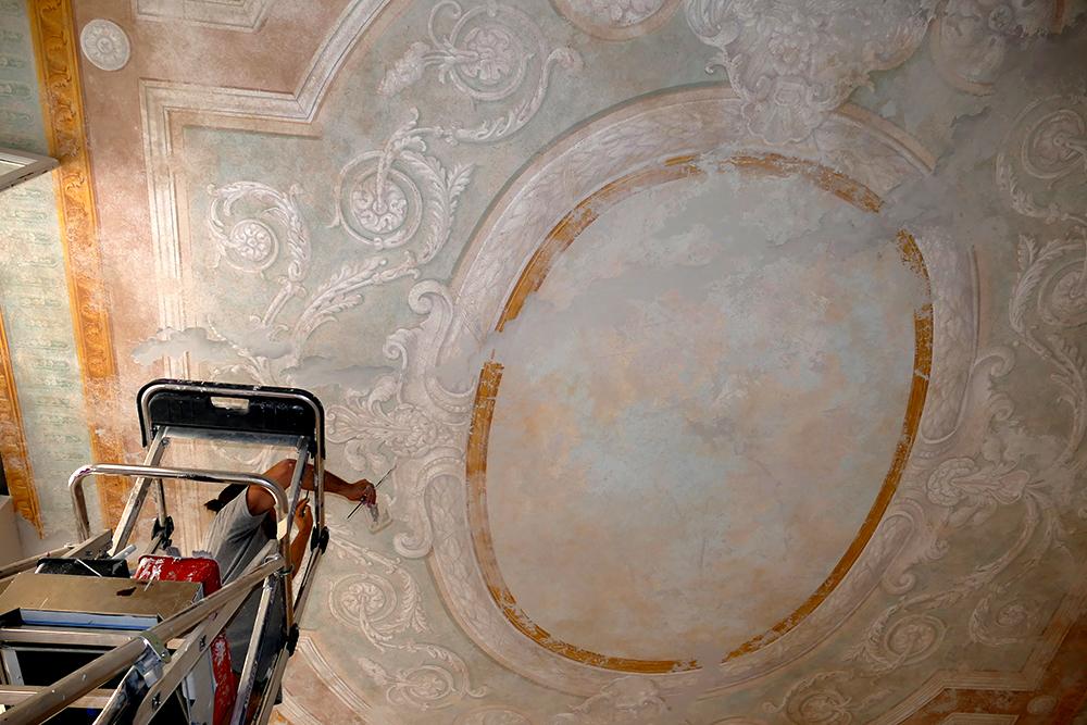 Ornementation décor peint XVII plafond