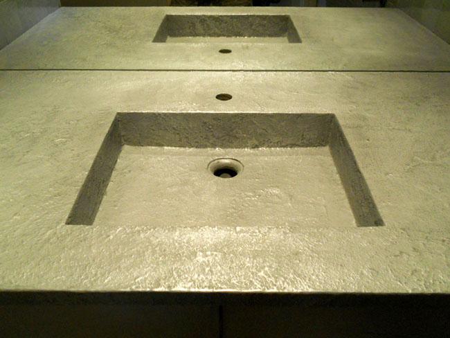 Alu - Rénovation d'un plan vasque avec la métallisation à froid (alu)