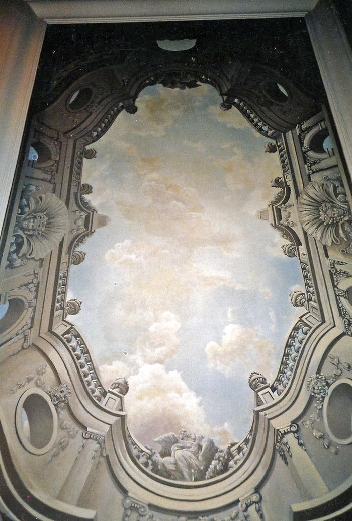 Plafond peint, architecture et ciel
