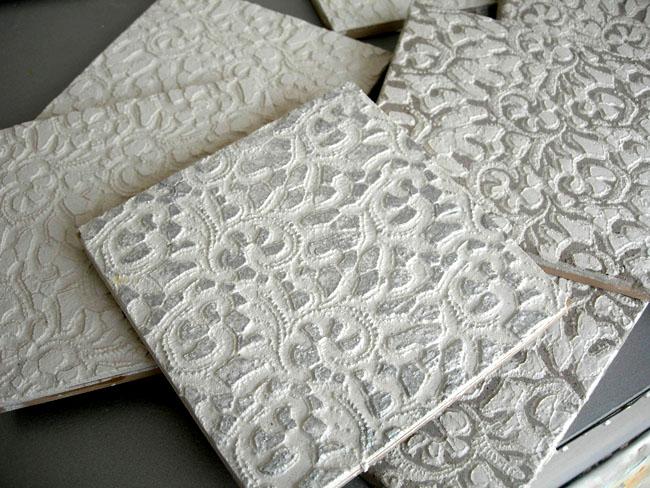 Carrelage motif personnalisé, fait main, format 20x20 et 15x15 cm, en marmorino, gravé avec motif floral